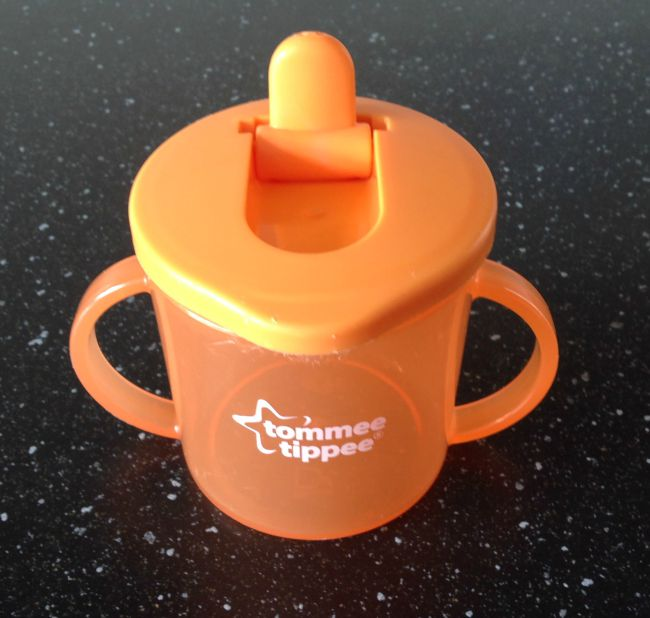 How-to-open-a-Tommee-tippee-sippy-cup-without-breaking-your-nails-image-of-orange-tommee-Tippee-cup