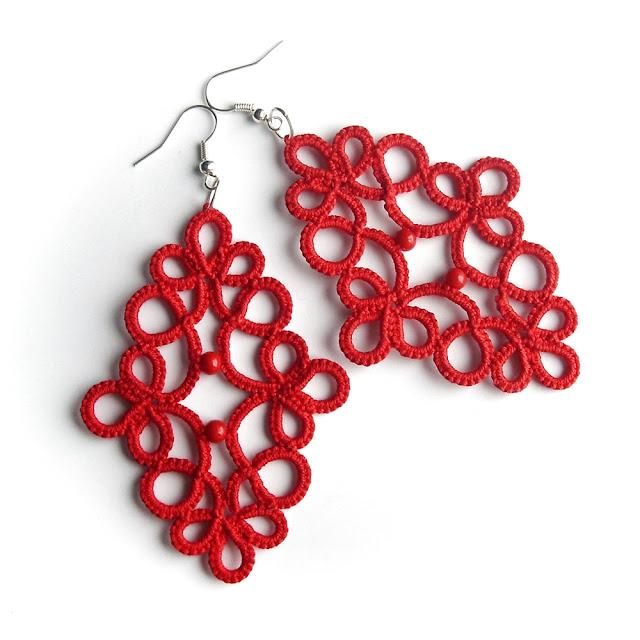 czerwone frywolitki