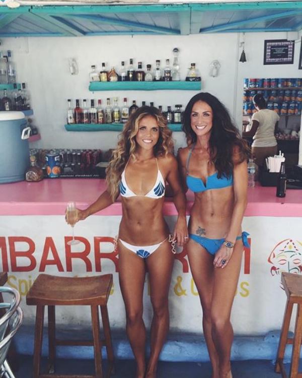 Fitness Models Karena Dawn and Katrina Hodgson photos
