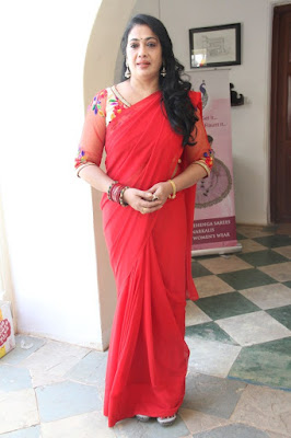 BRIGHT RED PLAIN SAREE
