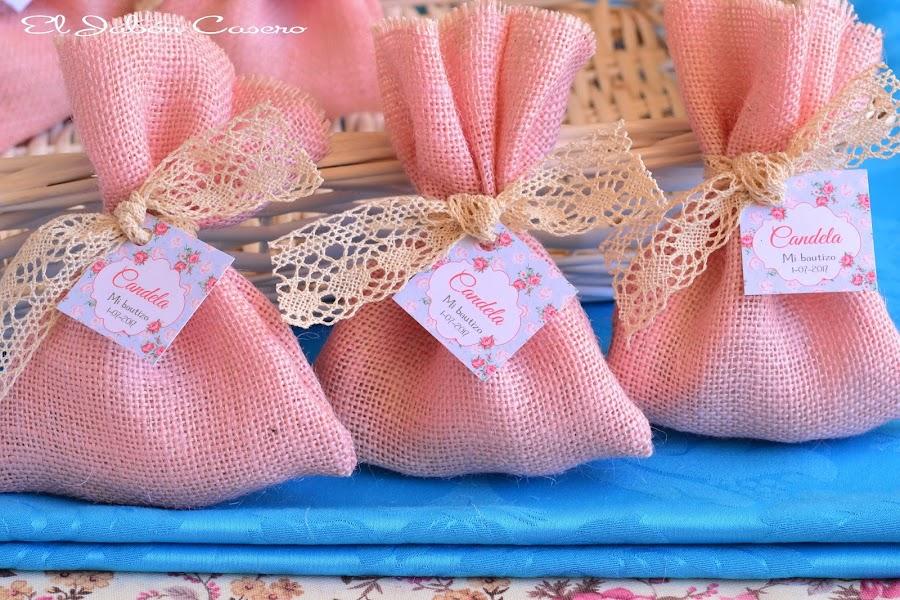Detalles artesanales para bautizos saquitos con balsamos