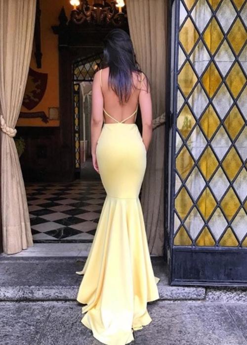 vestido de festa amarelocostas nuas