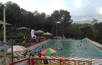 Kolam Renang Kubang Bali Resort Brebes