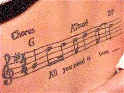 Tatuaje de All you need is love
