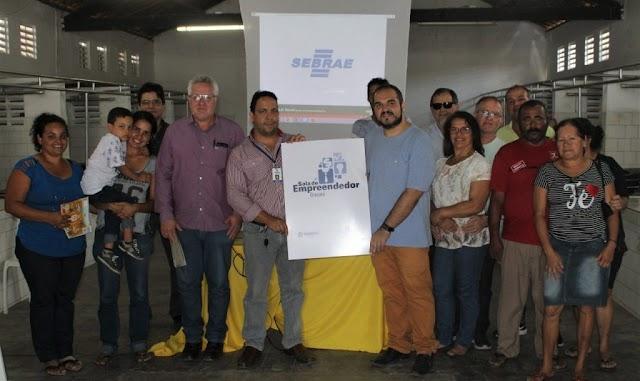 Comerciantes de Mandacaru participam de reunião com a Prefeitura e o SEBRAE sobre o MEI
