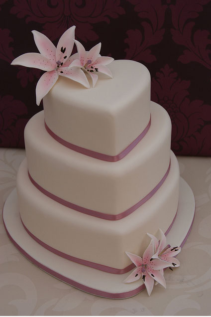heart shaped wedding cake wedding cakes wedding decorations 15153