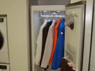 Lemari Pakaian Canggih yang Otomatis Rapikan Pakaian Bahan Wol