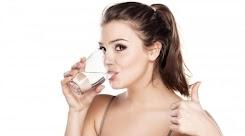 Biasakan Minum Air Putih Sebelum Konsumsi Teh dan Kopi, Kenapa?