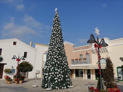 Cypr zimą święta