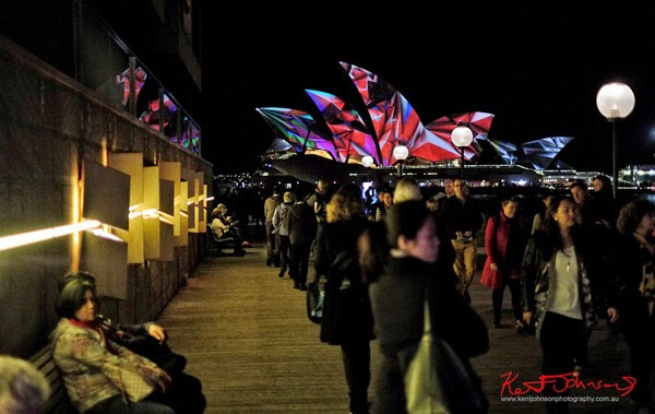 CLEFT installation by Simon Grimes on the right and 59 Productions 'Lighting of the Sails' light projection on the Sydney Opera House.