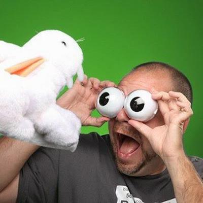 http://www.curiosite.es/producto/ojos-saltones-que-parpadean-nikodama.html