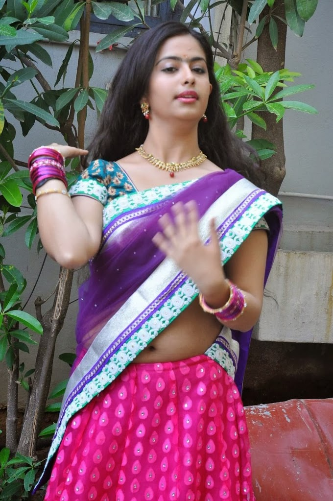 Desi Actress Avika Gor Saree Below Navel Show Photos