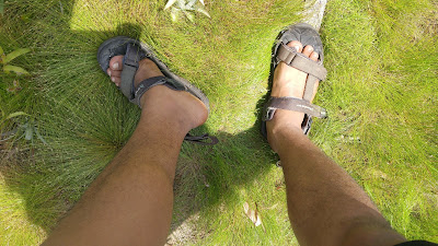 Berwisata ke Alam Bebas? Tak Sah tanpa Mengenakan Sepatu Gunung dan Membawa Tenda