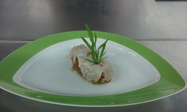 Bolitas De Escaldon Y Mojo Con Sashimi De Lubina