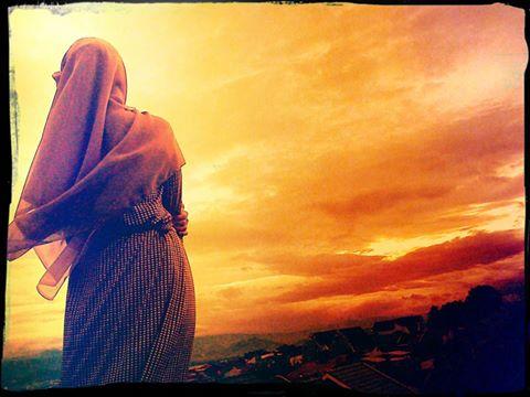 Pesan Pertama Untuk Para PEREMPUAN  : Berdoalah Agar Mendapat Suami Seperti Kisah Dibawah Ini...