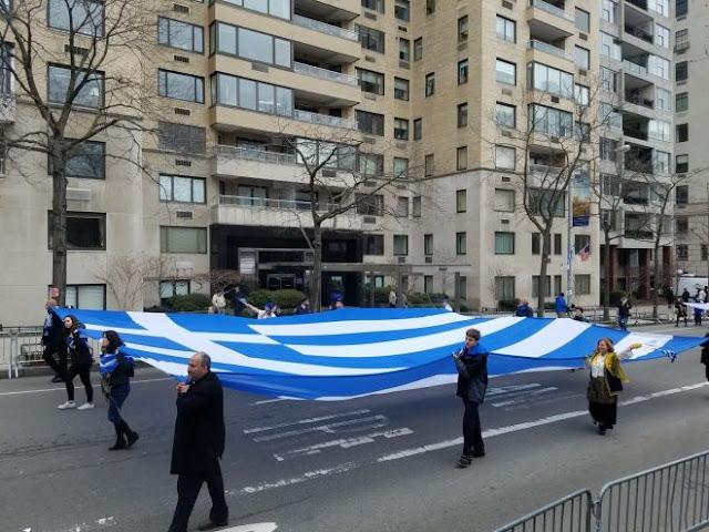 Παρέλασαν με υπερηφάνεια οι ομογενείς στο Μανχάταν για τον εορτασμό της 25ης Μαρτίου (ΦΩΤΟ&ΒΙΝΤΕΟ)