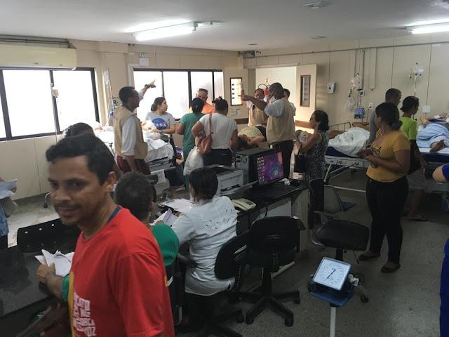 Resultado de imagem para PACIENTES INTERNADOS SÃO COLOCADOS NA SALA DE ATENDIMENTO DO WALFREDO GURGEL