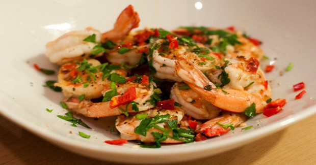 Prawns Sautéed With Garlic And Chilli Recipe
