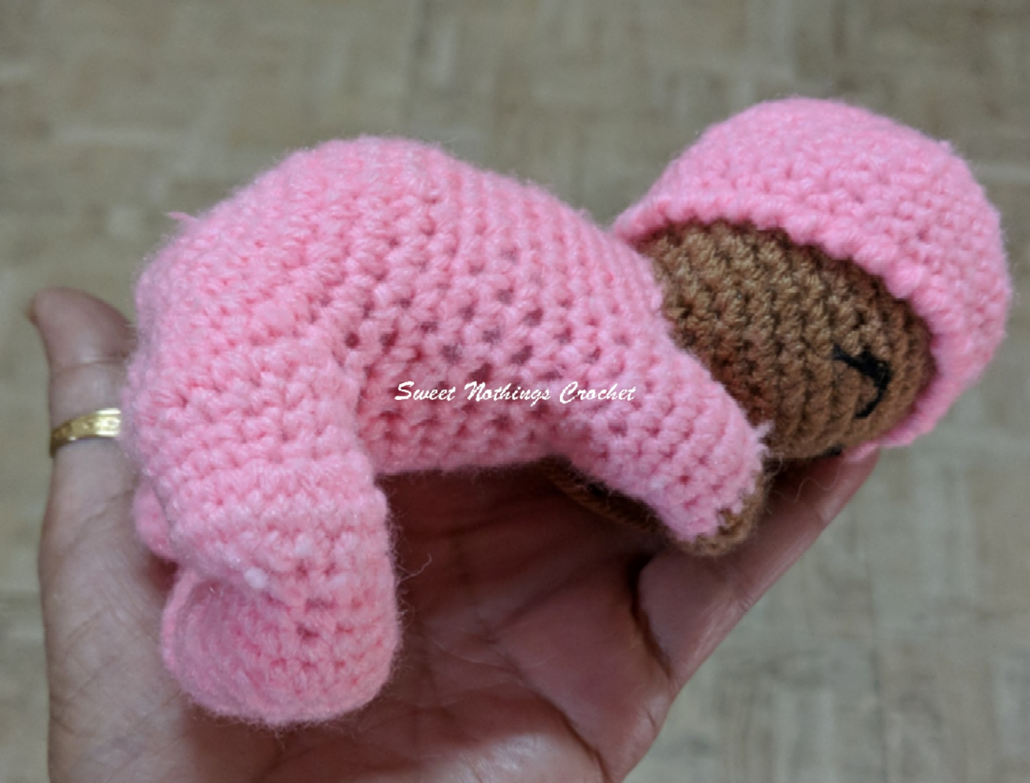 Sweet Nothings Crochet: SLEEPING BABY LOVEY
