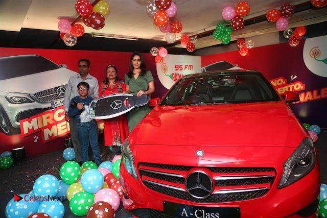 Raashi Khanna at Mirchi 95 Suno Mercedes Jeeto Contest Stills  0007
