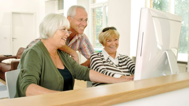 seniors using online trading platform