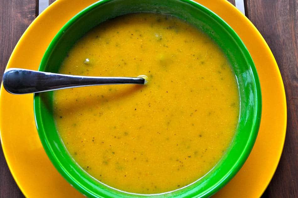 Bebekler için süzme mercimek çorbası tarifi ve mercimeğin faydaları.