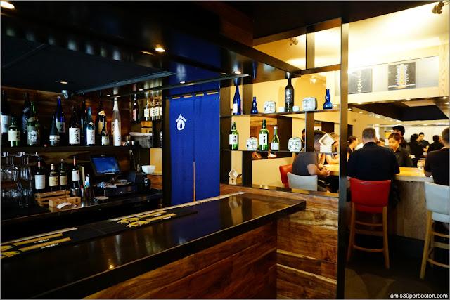Barra del Restaurante de Ramén Japonés Ippudo Westside en Nueva York