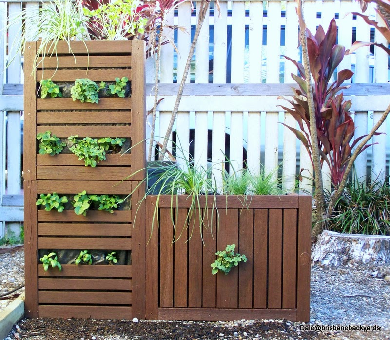 Brisbane Backyards: Re Use And Recycle Making A Vertical
