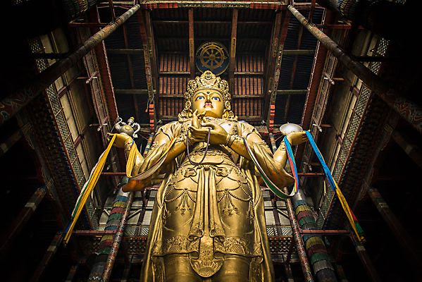 The spectacular 26.5-meter-high statue of Avalokiteśvara