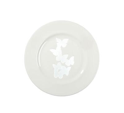 diseño y mariposas en platos