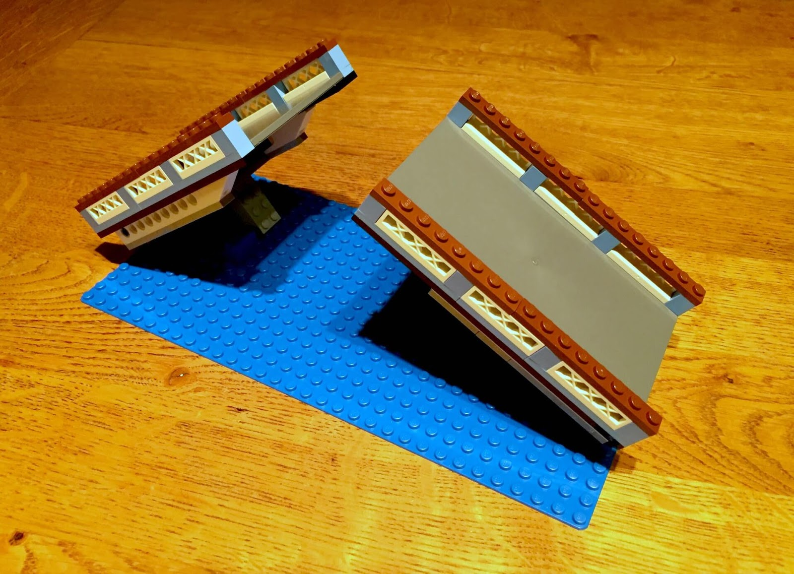 Building Lego Tower Bridge 10214 | Making a start on the build.