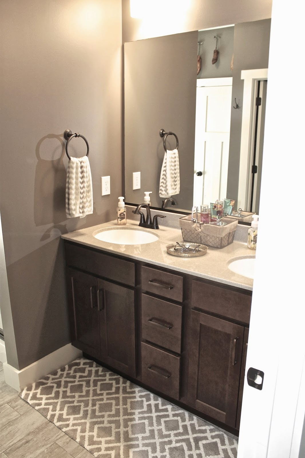 Mink and dover white favorite paint colors blog What color to paint a small bathroom