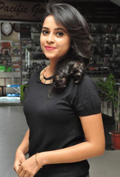 sri divya hot images