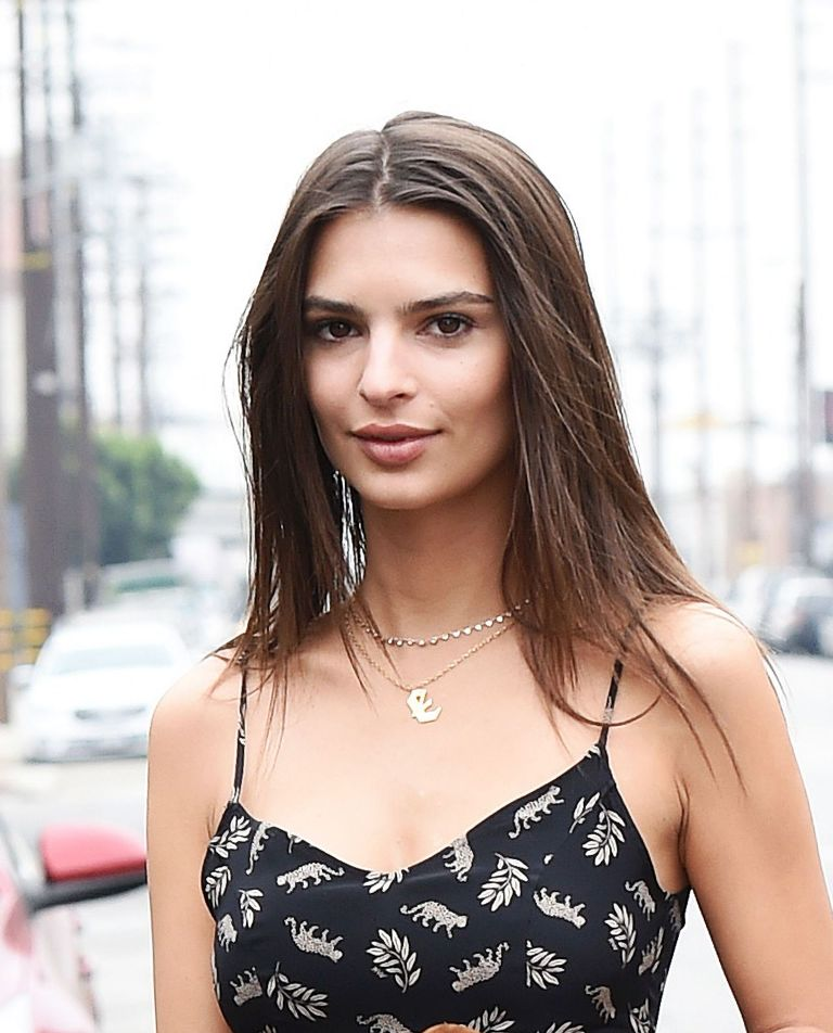 Emily Ratajkowski – Style Out in Los Angeles