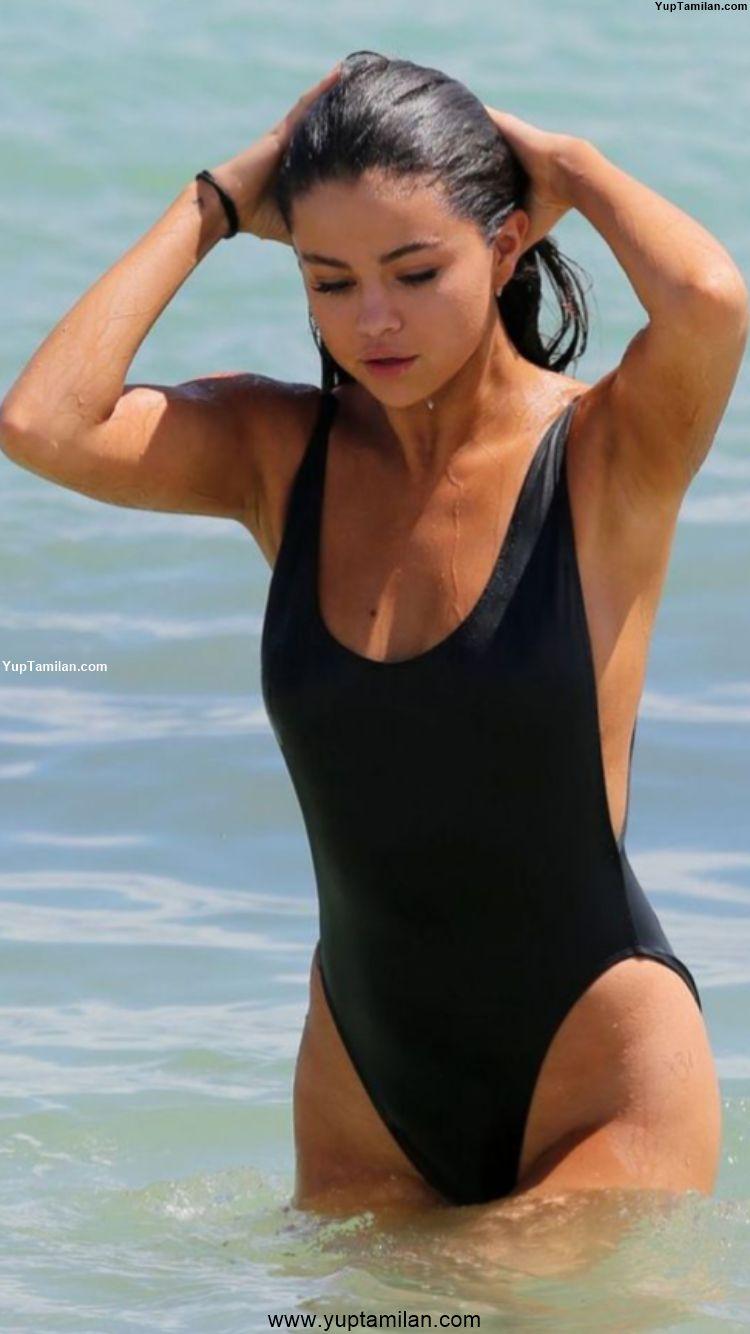 Selena Gomez hottest Bikini Pictures