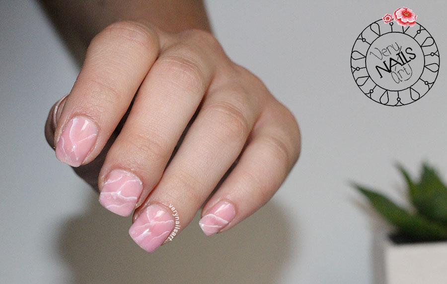 Diseño de uñas imitando cuarzo rosa | One stroke