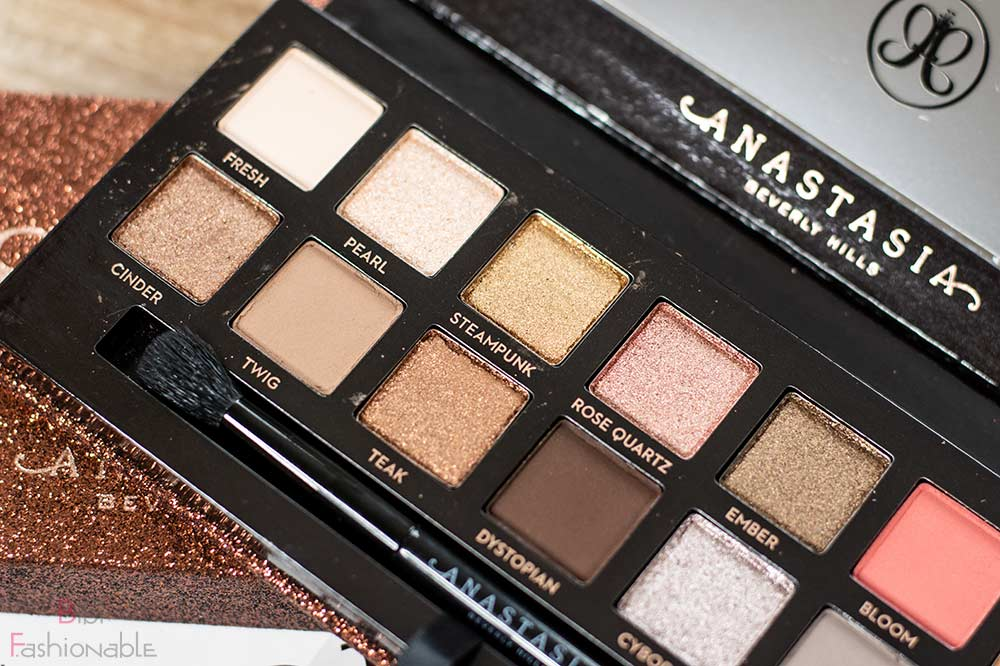 Anastasia Beverly Hills Sultry Eyeshadow Palette Farben links