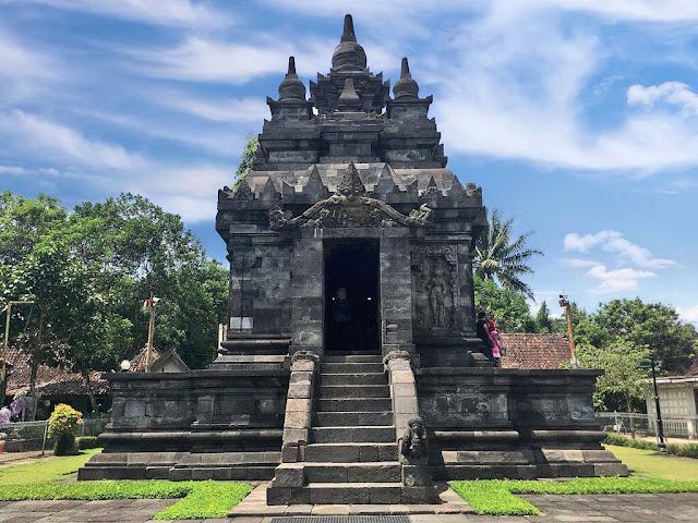 Wisata Candi Pawon Magelang