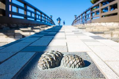 Iron pine cones, Hyakutai-bashi Bridge, Soka-shi