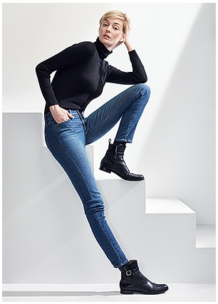 d42030e9c4e UNIQLO Ultra Stretch jeans for women are made with an exclusive material  that provides 50% stretch while retaining 90% shape recovery