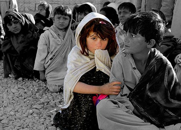 Edit Foto Fokus Warna pada Obyek Tertentu