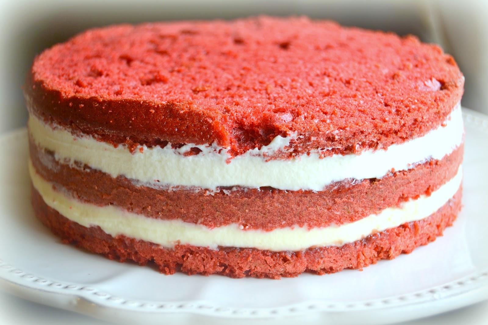 Red velvet con fresas y chocolate blanco. Sencillo, fácil, casero.