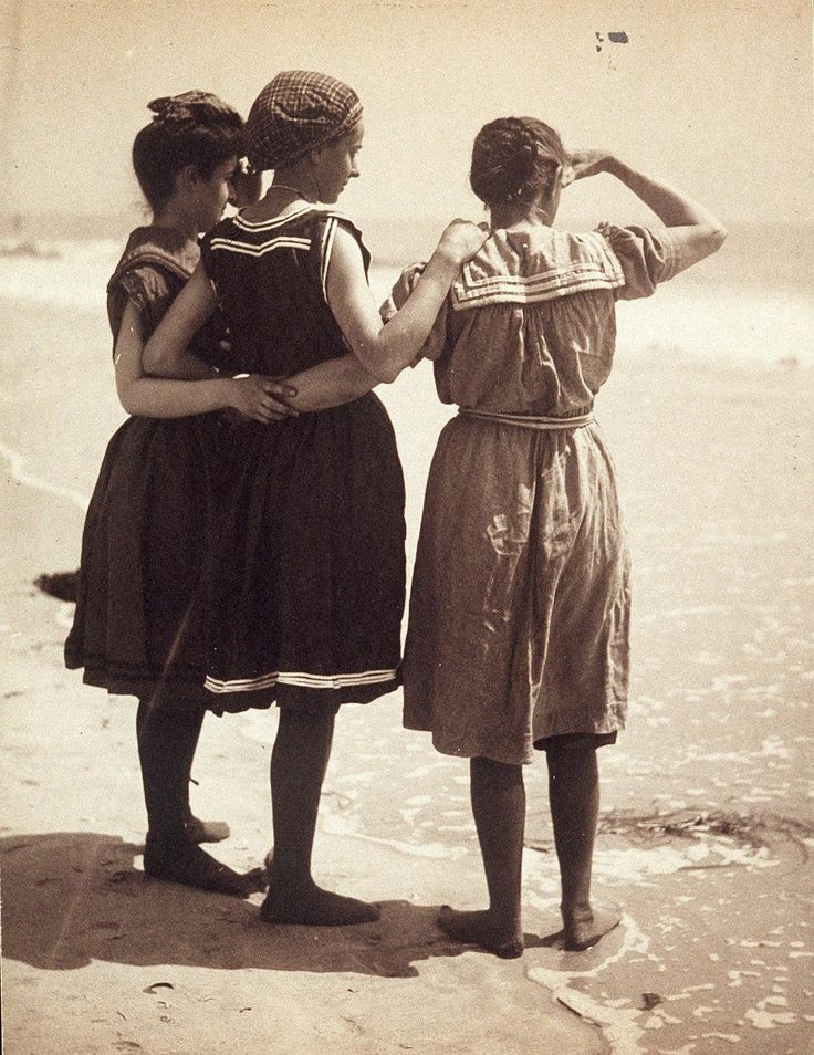 30 Interesting Photos Of Swimwear Styles In The Victorian