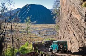 http://www.wisatabromorafting.com/2015/09/informasi-sewa-jeep-bromo.html