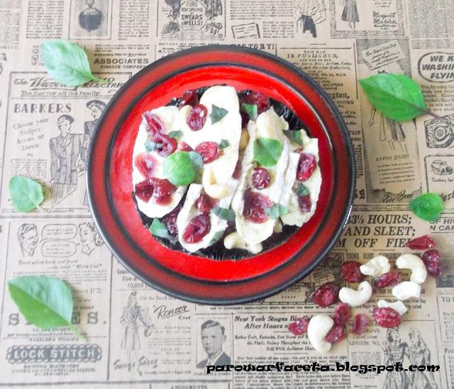 pieczarka z serem i ziołami na parze