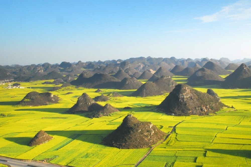 The 100 best photographs ever taken without photoshop - Rapeseed fields in Luoping, China