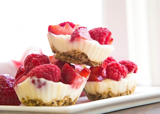 FroYo Berry Bites #dessert #cakes