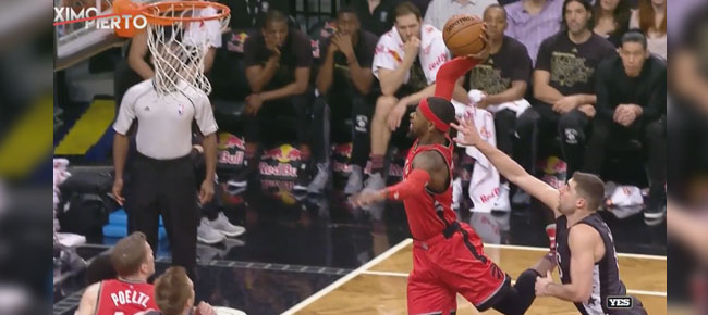 Terrence Ross High-Flying Dunk!!! (VIDEO)