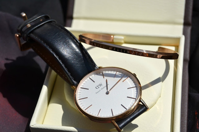 http://www.syriouslyinfashion.com/2016/08/daniel-wellington-classic-cuff-review.html