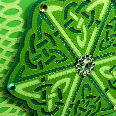 http://www.capadiadesign.com/2012/03/celtic-medallion-for-st-patricks-day.html#.VurK3kdW33A